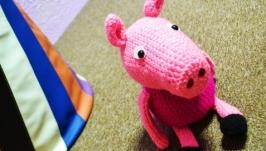 Вязанная игрушка свинка ′Пеппа′