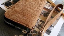 Женский кожаный кошелек-клатч на молнии