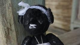 мишка ′Черная Жемчужинка′