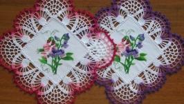 Пара салфеток вязаных с вышивкой ′Душистый горошек′