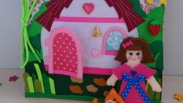 Развивающая книжка из фетра - кукольный домик.