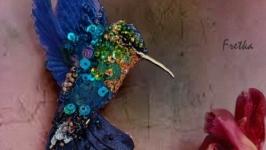 Брошь из бисера и пайеток ′Колибри′ - Голубой колибри