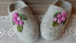 Женские валяные тапочки  ′Розочки′