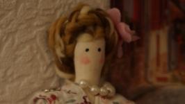 Кукла Тильда в цветастом платье
