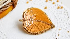 Брошь вышивка ′Осенний лист′ вышивка пайетками, брошь лист, оранжевая
