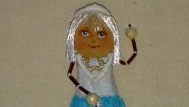 брошь кукла Снежана