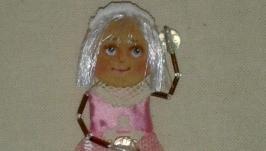 брошь кукла Кристина