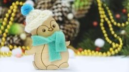 Игрушка на елку пингвин