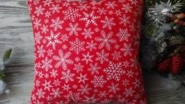 Подушка новогодняя красная ′Снежинки′