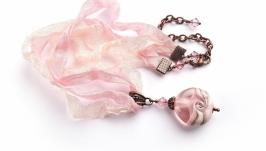 Кулон розовый на шебби лентах