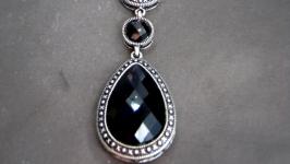 Красивое украшение из натурального камня′Граненный агат′