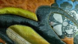 Косметичка из ткани в технике лоскутного шитья.