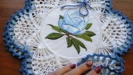 Набор салфеток ′Магнолия′ с голубой обвязкой. 3 шт