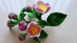 тут изображено Яблоня в цвету