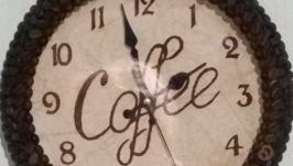 Круглые кофейные часы под стеклом