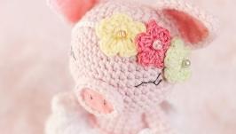 Вязаная игрушка Свинка-ангел