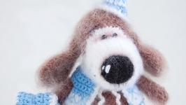 Вязаная игрушка Собачка в голубом