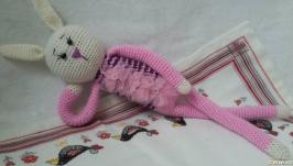 Зайчик в розовом.