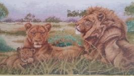 Вишита картина хрестиком ′Родина левів′