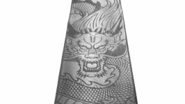 тут изображено Галстук из натуральной кожи с лазерной гравировкой ′Дракон′