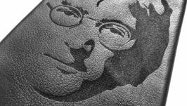 тут изображено Эксклюзивный дизайнерский галстук из натуральной кожи ′Леннон′