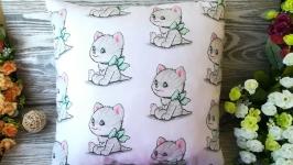 Подушка рыжий котик с салатовым бантиком ,  38 см * 38 см