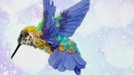 Брошь из бисера и пайеток ′Колибри′ - Весенняя свежесть
