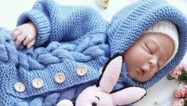 Вязанный комбинезон для новорожденного