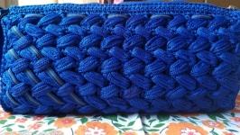 Клатч, косметичка ультра синего цвета на змейке