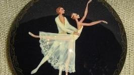 Шкатулка ′Балет′ из дерева с ручной росписью и лаком.