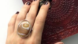 Женское кольцо с овальным агатом