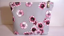 Косметичка ′Розовые цветы′