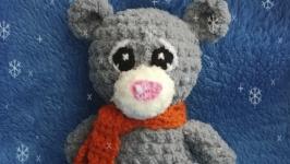 Вязаный плюшевый Мишка