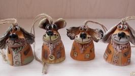 Колокольчики ′Беззаботные собачки′