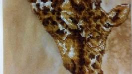 Мама и малыш-Жирафы. Вышивка бисером.