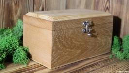 тут изображено Подарочная коробочка из разных пород дерева.