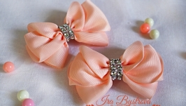 Бантики персиковые