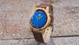Деревянные наручные часы. Африканское зебрано. Коричневый кожаный ремешок