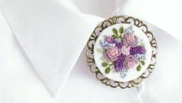 Большая элегантная брошь под воротник с лавандой и розами