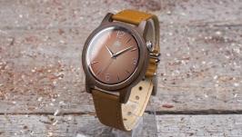 Унисекс часы из дерева. Индийский сандал. Песочный кожаный ремешок