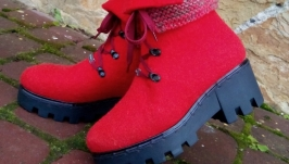 Ботинки с обвязкой алые