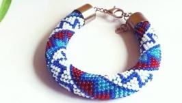 Синий браслет-жгут из бисера Купить стильный браслет на подарок