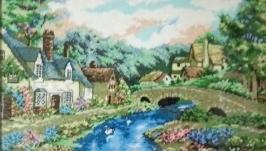 Картина ′Будинки біля річки′.Картина вишита нитками ДМС