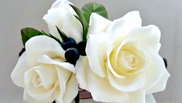 Вінець для волосся з білими трояндами (японська полімерна глина deco clay)