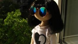 Стильная кукла-брюнетка
