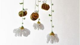 Детский мобиль ′Пчелки и ромашки′