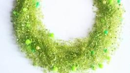 Салатовое воздушное колье Зеленое ожерелье купить