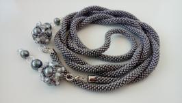 Лариат серый - украшение, жгут из бисера