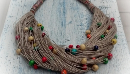 Эко-колье из натурального итальянского льна и разноцветных деревянных бусин