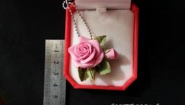 Кулон с розой